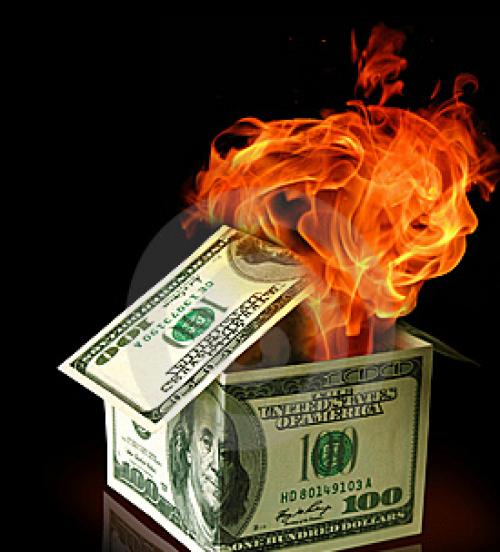 الدولار بين نارين: تحسن قطاعي التصنيع والإسكان و تدهور ثقة المستهلك