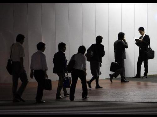 الين الياباني يتأثر سلباً ببيانات التوظيف وسط ظروف سياسية غير مواتية