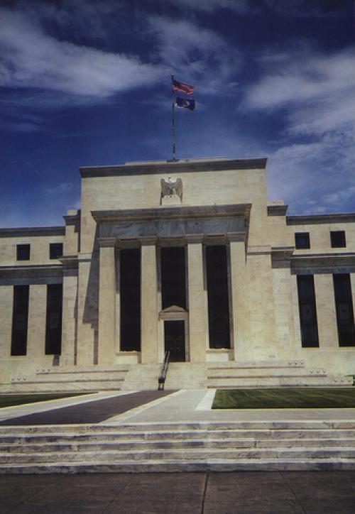 فشل الفيدرالي في دعم سوق العملات ومزيد من الشكوك في قوة الانتعاش رغم ارتفاع درجة الثقة والتفاؤل