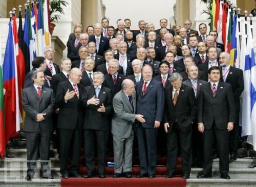 نتائج مخيبة للآمال لاجتماع وزراء مالية منطقة اليورو