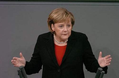 بعدما قدمته من دعم للعملة، ميركيل تتسبب في أضرار اليورو
