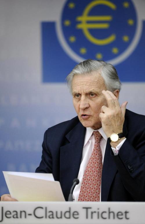 اليورو يرتفع والدولار يستمر في الهبوط في أعقاب تصريحات تريشيه المثيرة للارتياح