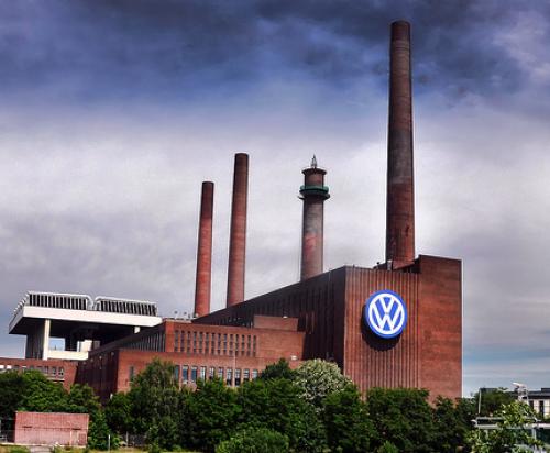 طلبات المصانع الأوروبية تتوافق مع توقعات الهبوط