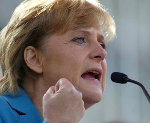 ميركل: ألمانيا ترغب في يورو قوي
