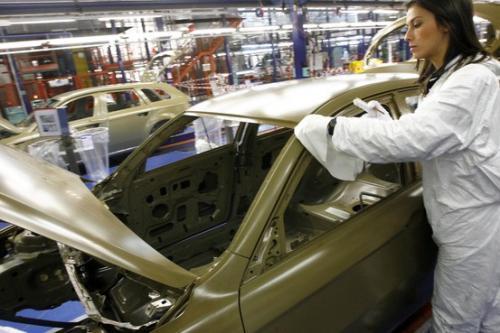 تحسن توقعات الطلبات الصناعية في المملكة المتحدة رغم الاستمرار في المنطقة السالبة