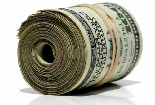الدولار يواصل مكاسبه قبيل اجتماع الفيدرالي