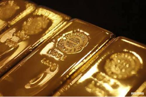 الذهب يتراجع إلى أدنى مستوى له في شهر