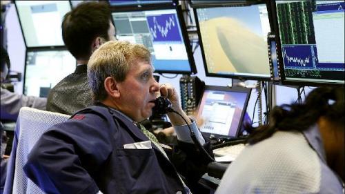 افتتاح الأسواق الأمريكية على انخفاض متأثرة بالهموم الأوروبية