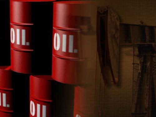النفط الخام عند أعلى مستوياته في أربعة أيام