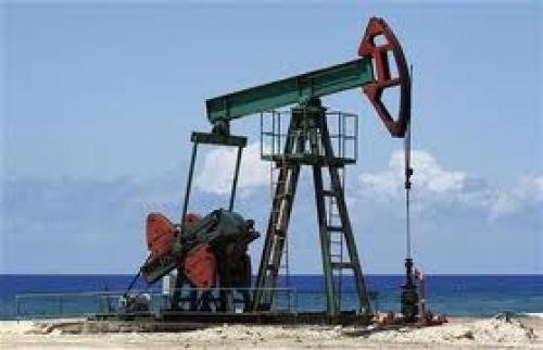ارتفاع مخزونات النفط الخام الأمريكي