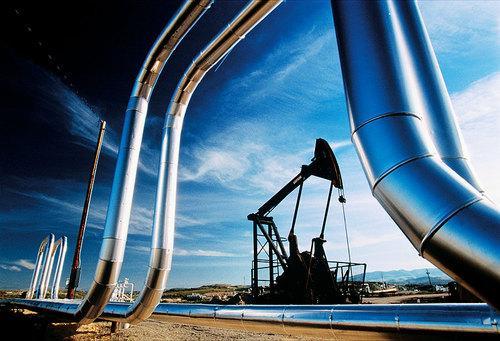 النفط الأمريكي يحوم فوق سعر 100 دولار للبرميل