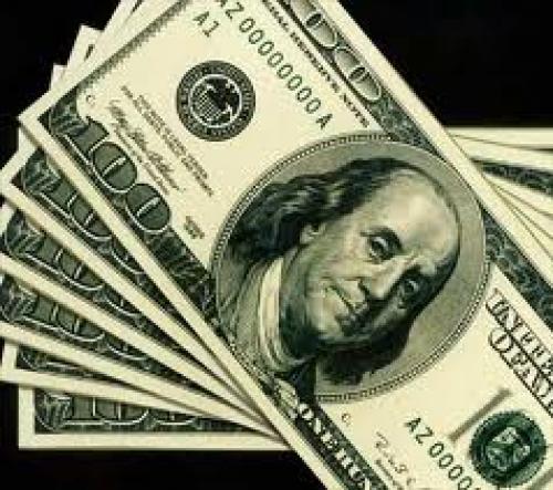 الدولار يتراجع مقابل منافسيه عقب قرار البنك المركزي الأوروبي