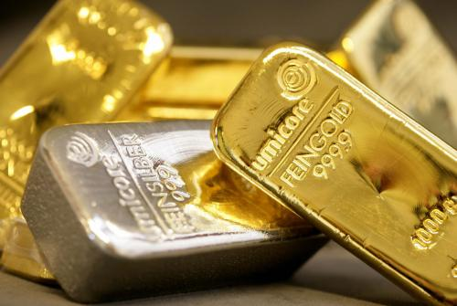 ارتفاع العقود الآجلة للذهب واستقرار دون المستوى 1730 دولار للأوقية