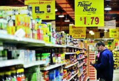 ارتفاع ثقة المستهلك الأمريكي على نحو غير متوقع