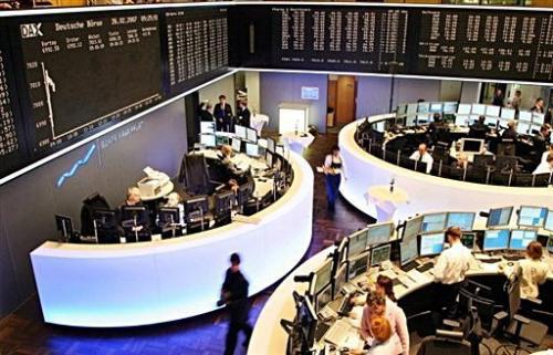 الأسهم الأوروبية تهبط قبيل تصويت ألمانيا على دفعة الإنقاذ