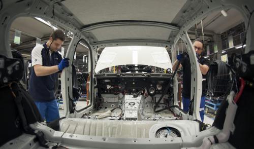 طلبات المصانع الألمانية ترتفع بنسبة 0.5%