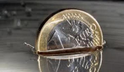 اليورو يهبط أمام الفرنك السويسري