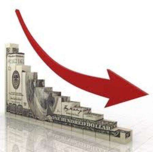 الدولار الأمريكي يهبط لأدنى مستوياته