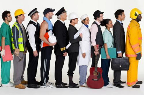 أعداد التوظيف الكندية تشهد تراجعًا