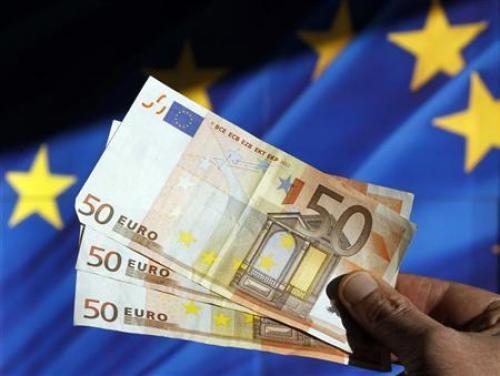 تباين أداء اليورو عقب ظهور بيانات أسعار المستهلكين