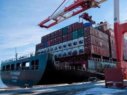 ميزان التجارة الإيطالي يسجل 0.37 مليار