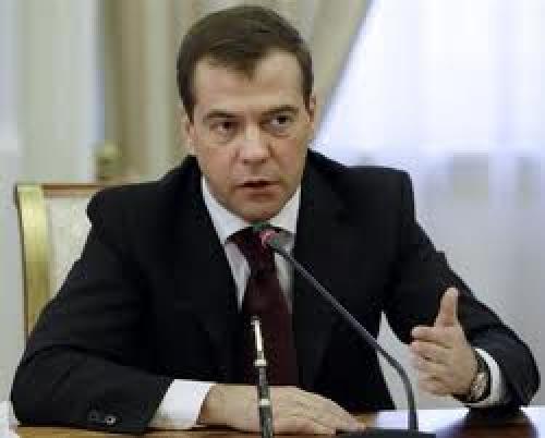"""تعليق """" دميتري ميدفيديف""""  على الوضع الاقتصادي الروسي"""