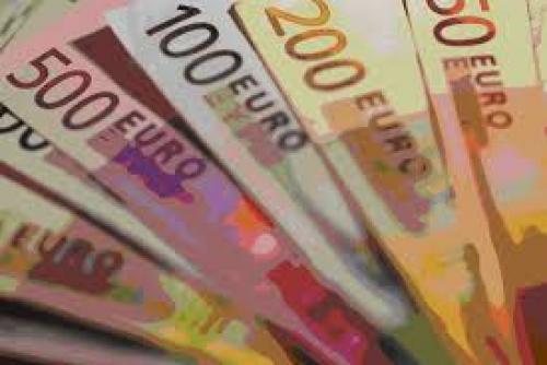 "تصريحات ""دراجي"" تحفز ارتفاع اليورو"
