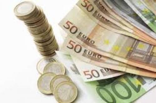 اليورو دولار يتأثر بشكل طفيف عقب تصريحات دراجي