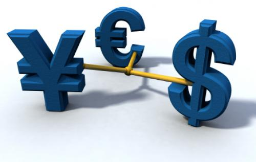 الدولار الأمريكي يشهد تراجعًا طفيفًا خلال تداولات اليوم