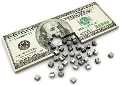 اضطرابات تدفع الدولار الأمريكي إلي التراجع