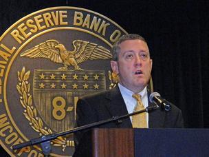 بولارد: يجب رفع معدلات الفائدة في أقرب وقت