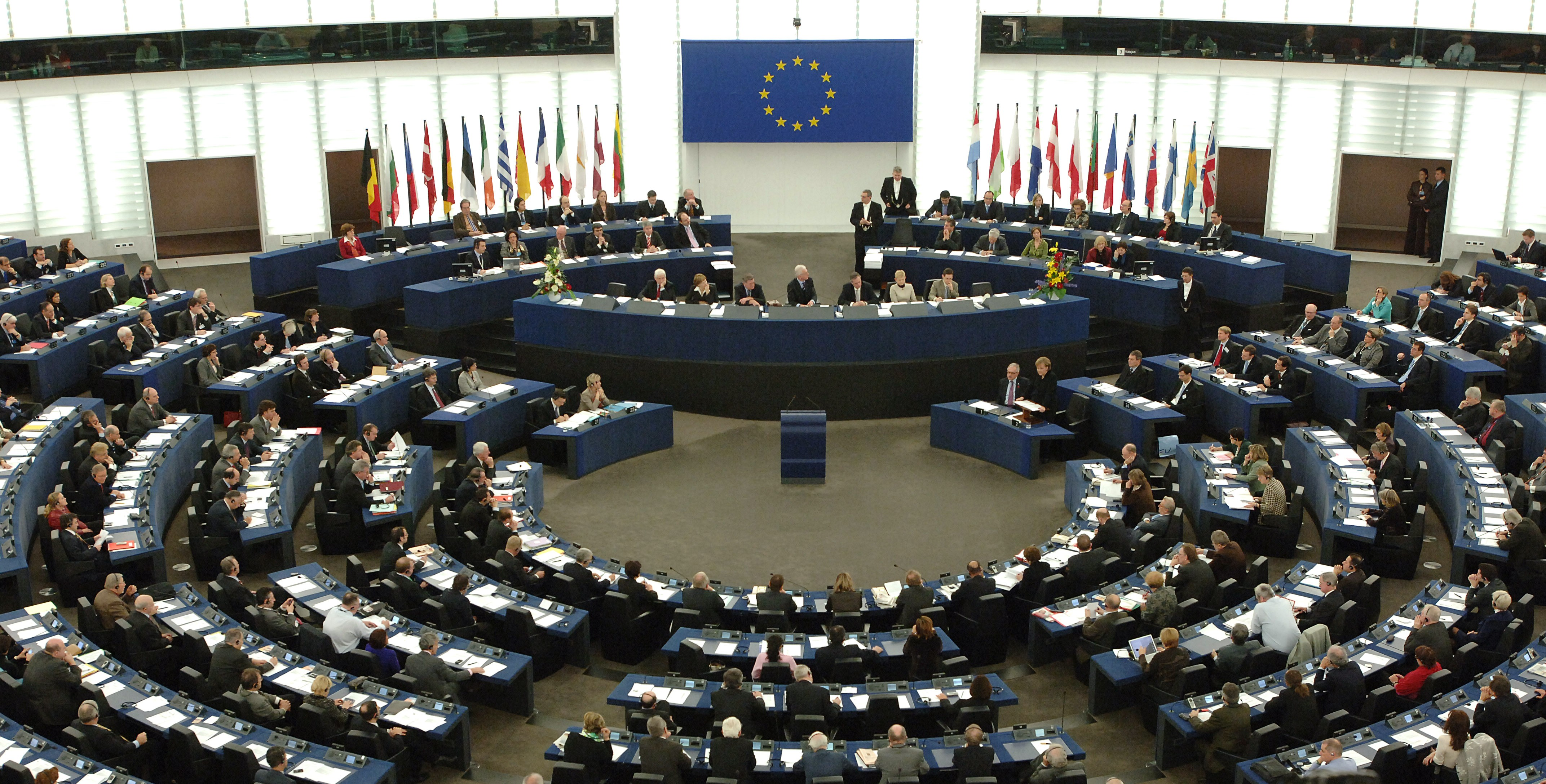الاتحاد الأوروبي يجرى اتصالات مكثفة لحل أزمة اليونان