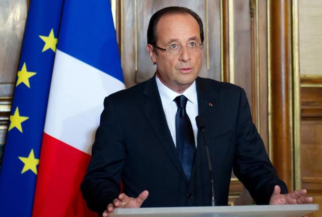 الرئيس الفرنسي: يجب أن تبقى اليونان فى منطقة اليورو