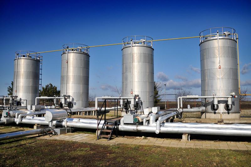 تراجع مخزونات الغاز الطبيعي
