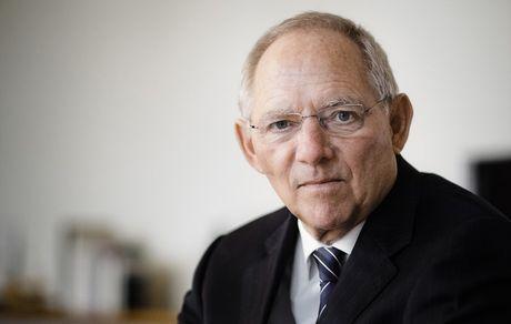 شويبله يشيد بوزير المالية اليوناني