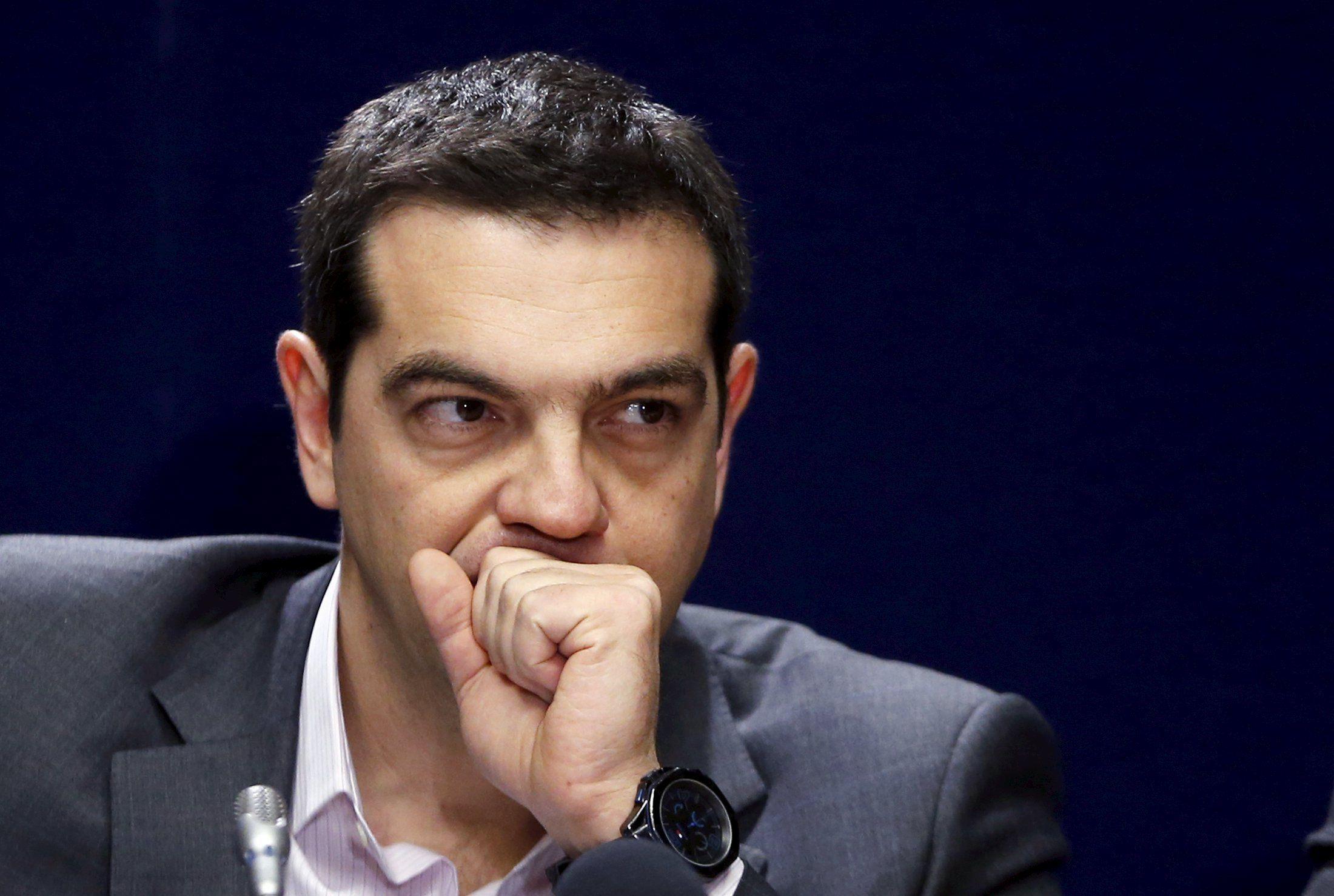 تسيبراس: لن نقبل أي حل لا يشتمل على إعادة هيكلة الديون اليونانية