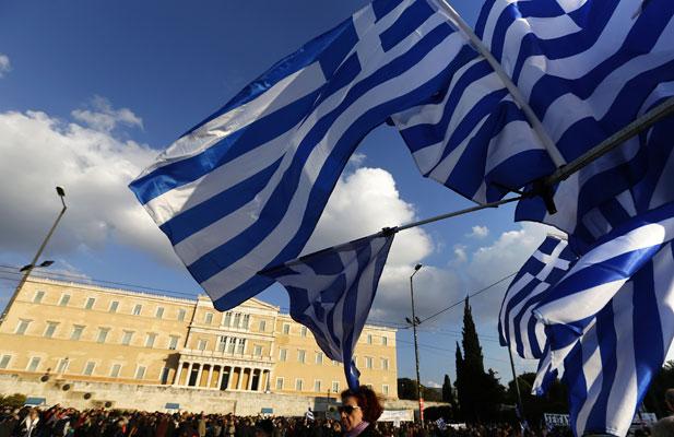 احتشاد ألاف من الشعب اليوناني للتنديد بالمقترحات الأوروبية والمطالبة برفضها