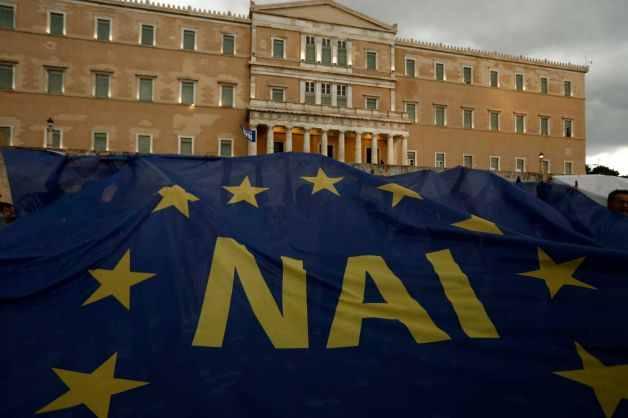 """التصويت بـ """"لا"""" يتصدر المشهد اليوناني"""
