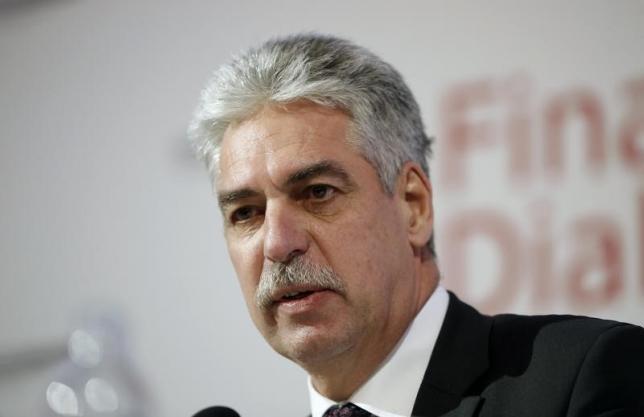 وزير مالية النمسا يؤكد على ضرورة توصل اليونان إلى حل قبل يوم الأحد