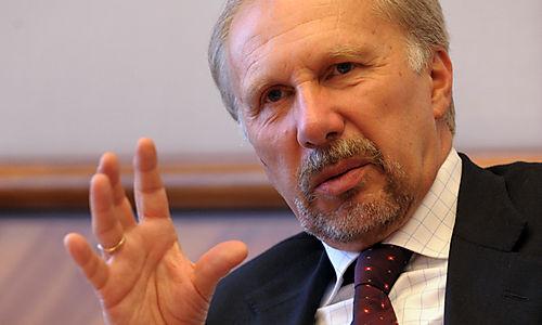 نوفوتني: سوف نجتمع غداً لمناقشة أوضاع السيولة الطارئة لليونان