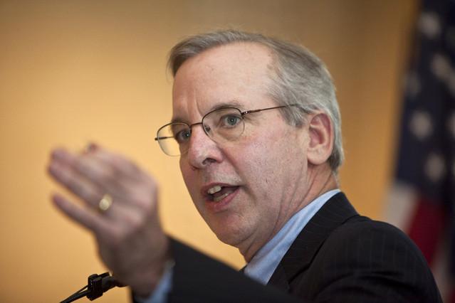 دودلي: التمهل في رفع الفائدة قد يدفع الاقتصاد إلى الانكماش