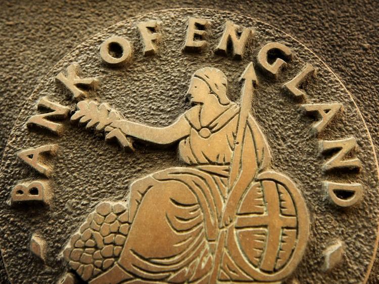 تأثير تراجع أسعار النفط على السياسة النقدية لبنك انجلترا