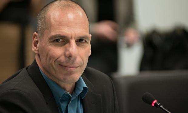 فاروفاكس: تدفق الأموال لا يمثل مشكلة كبيرة لليونان