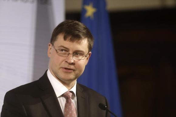 نائب رئيس المفوضية الأوروبية: أزمة السيولة في اليونان تزداد سوءًا كل يوم