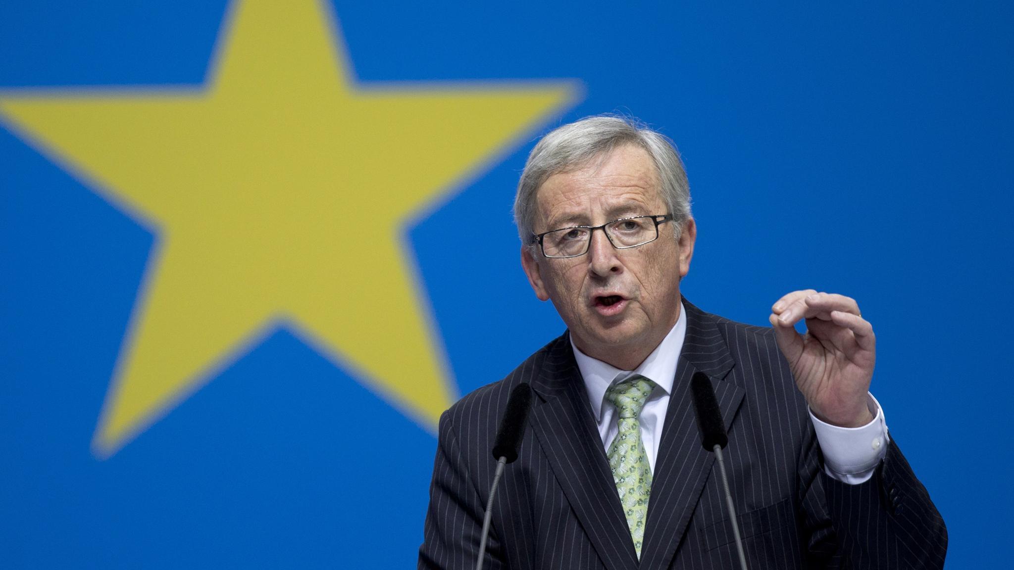 جانكر يُعرب عن تفاؤله بشأن المحادثات مع الحكومة اليونانية