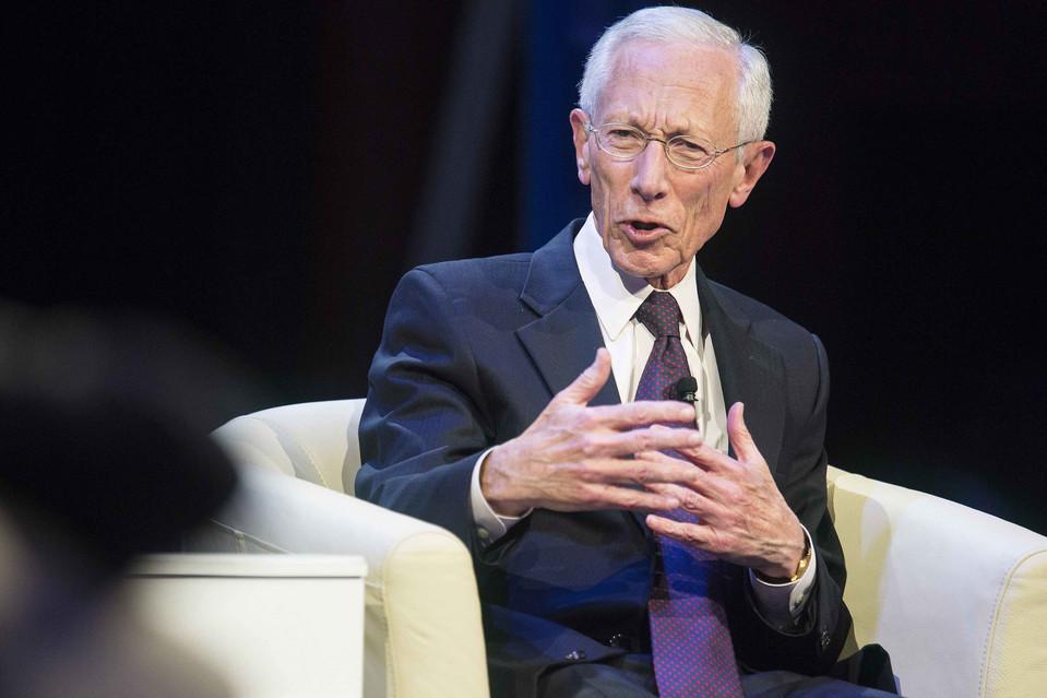 فيشر: الاعتقاد بأننا قد تخطينا تداعيات الأزمة المالية هو أمر خاطئ