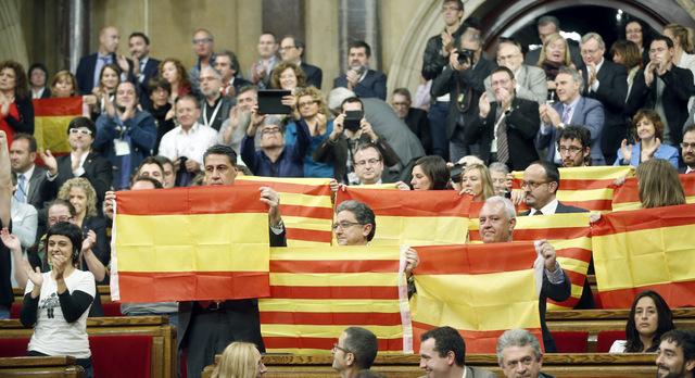 البرلمان الكتلوني يؤيد حملة الانفصال عن اسبانيا