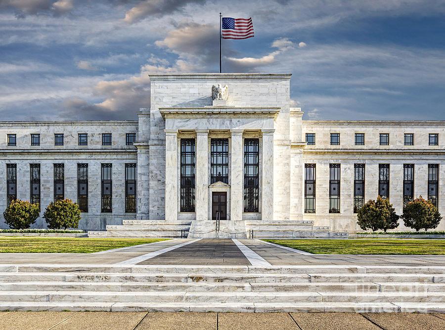 ملخص تصريحات أعضاء الفيدرالي الأمريكي مؤخراً، هل اقترب موعد رفع الفائدة بالفعل؟