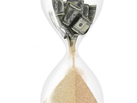 الدولار في انتظار بيانات هامة يوم الجمعة، كيف ستؤثر عليه؟