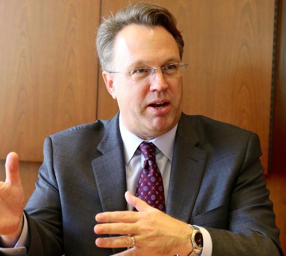 ويليامز: رفع معدلات الفائدة أكثر من مرة يبدو منطقيًا